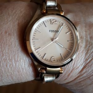 Rose gold Fossil watch (116)